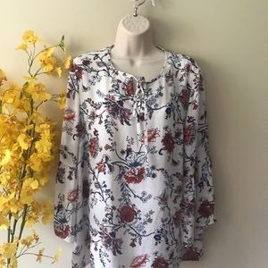 Violet and Claire floral bell sleeved shirt top